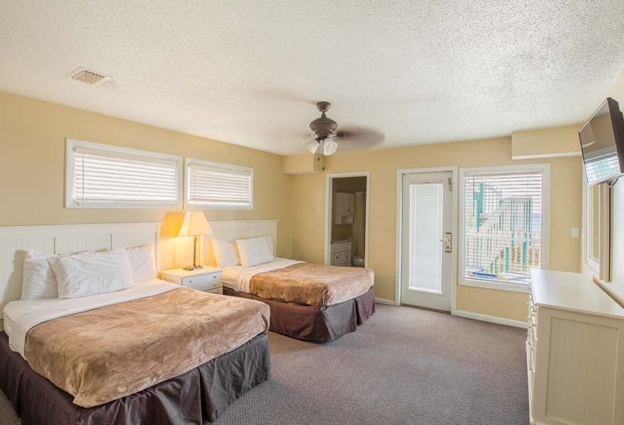 2 Bed Bath Beach House Directly On The Sleeps 10 Close Enough To Walk Resort